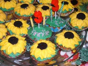 Sunflower theme cupcakes (Carina's handiwork)
